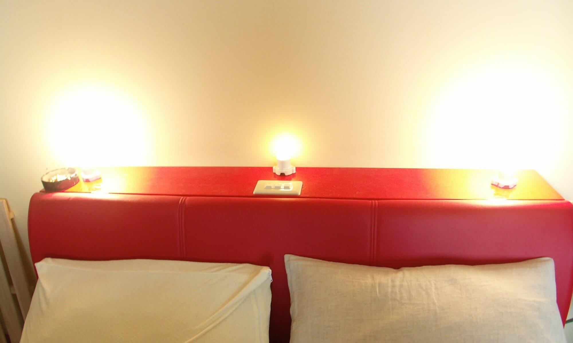 ベッド照明