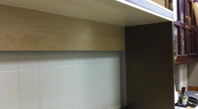 1F 大きな机の大きな棚